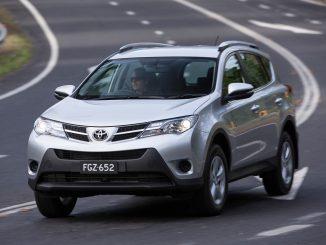 Toyota tweaks RAV4