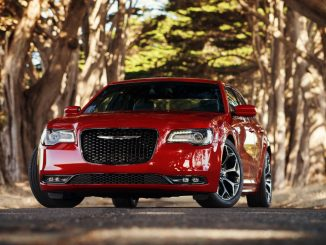 2014 Chrysler 300 S Video Review