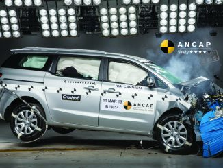 2015 Kia Carnival scores four star safety rating