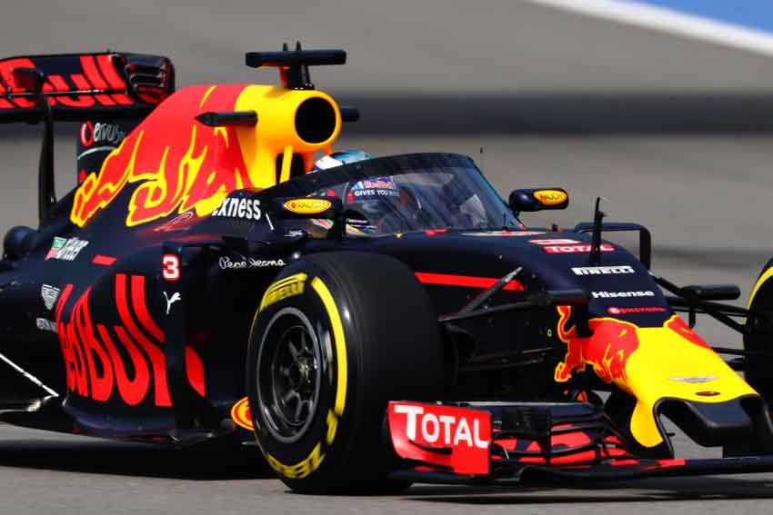 Webber weighs in to F1 canopy debate