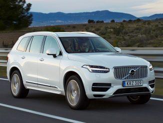 Car dealers hand Volvo XC90 top car award