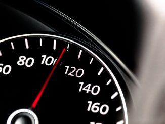 US moves closer to electronic speed limiters for new trucks