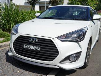 2015 Hyundai Veloster SR Turbo + Review