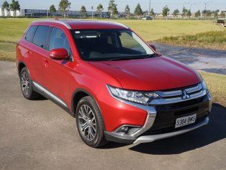 2017 Mitsubishi Outlander LS Review