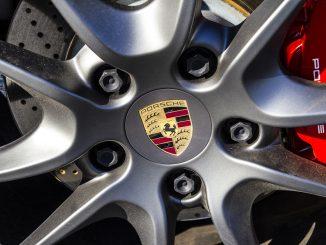 porsche logo alloy wheel