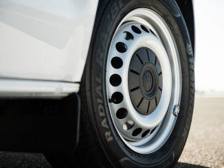 volkswagen transporter van wheel