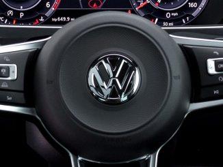 volkswagen steering wheel badge