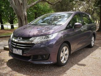 2017 Honda Odyssey VTi Review