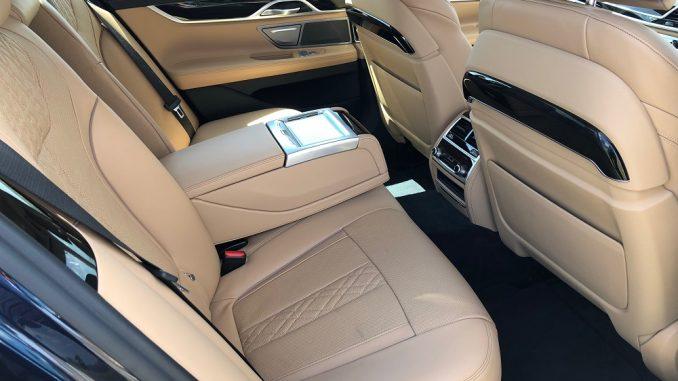 2018 bmw 740i rear seat