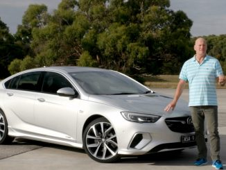 2018 holden commodore video review