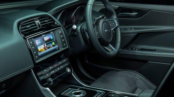 2018 jaguar xe s interior