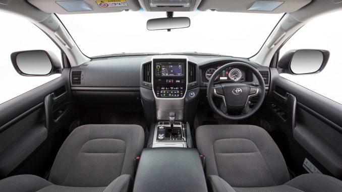 2018 toyota landcruiser gxl interior