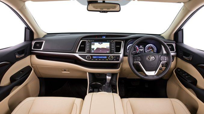 2018 Toyota Kluger Grande interior