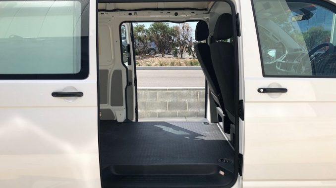 2018 volkswagen transporter side door access