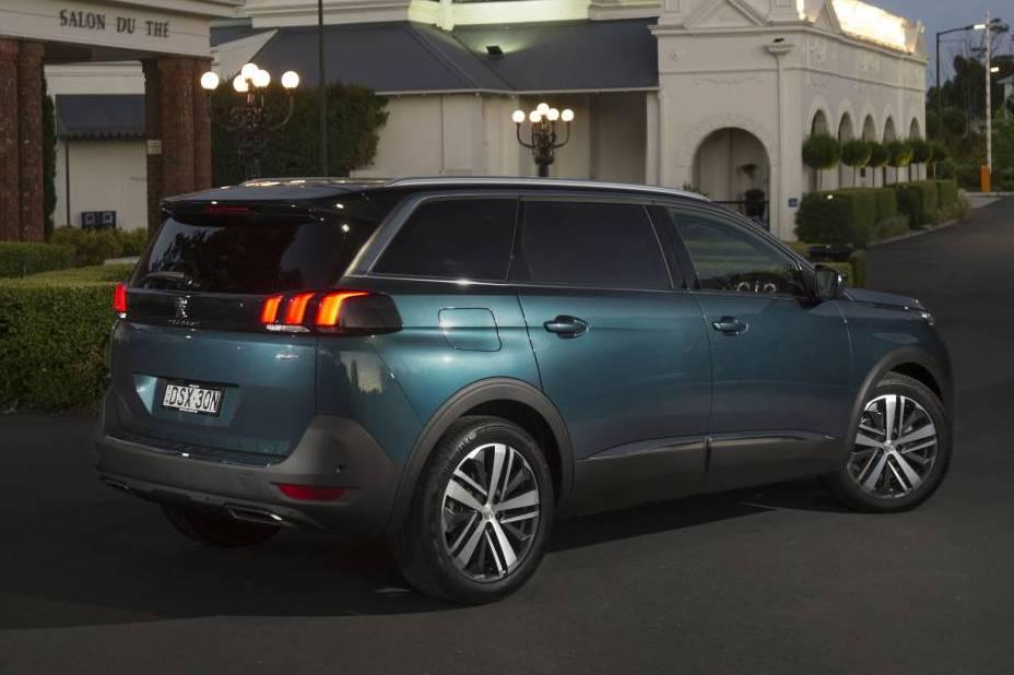 2018 Peugeot 5008 rear