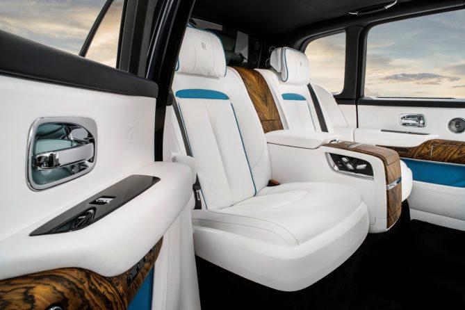 2018 Rolls Royce Cullinan seats