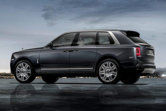 2018 Rolls Royce Cullinan side