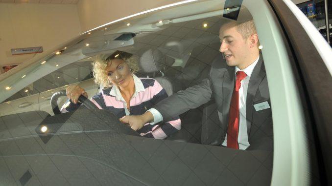 car buyer female